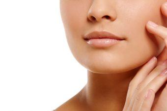 Question de la semaine: Est-ce qu'une eau pour le visage peut resserrer les pores ?