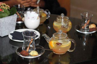 Dégustation de cocktails chauds détox au miel | Marriott Champs Élysées
