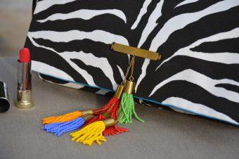 SUMMER LOVE | La pochette Serengeti Zebra signée DOREEN MASHIKA