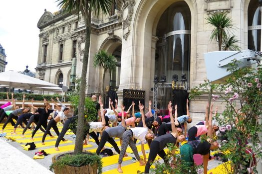 Place au yoga sur la terrasse de L'Opéra !