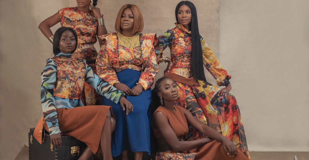«TWO SIDES OF A STORY» collection P/E 2019 de MOOFA DESIGNS